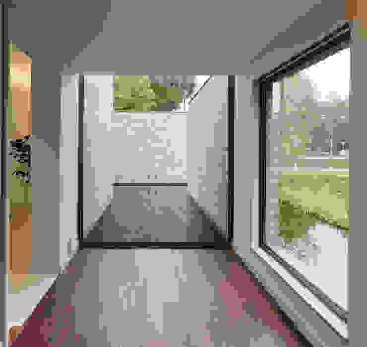 Villa Rotonda Goirle Moderne gangen, hallen & trappenhuizen van Bedaux de Brouwer Architecten Modern
