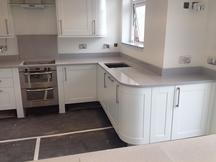 Silestone Aluminio Nube Worktops Modern kitchen by Marbles Ltd Modern