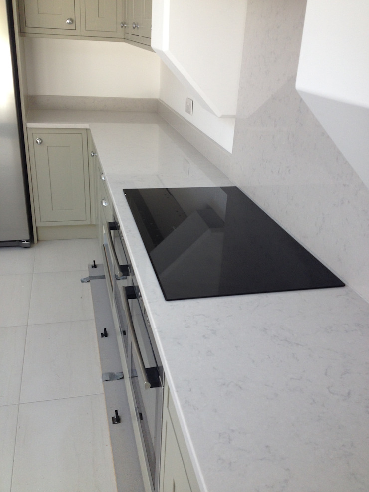 Silestone Lagoon Quartz Worktops Country style kitchen by Marbles Ltd Country