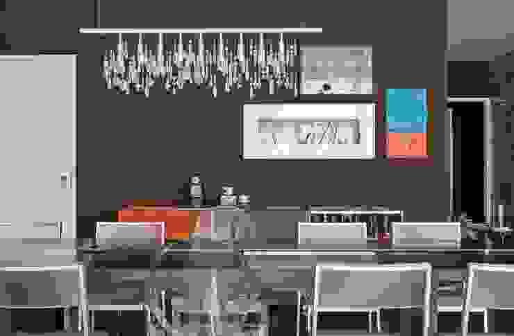 Apto. Higienópolis SP – <q>Por Amor a Arte </q> Salas de jantar modernas por AMMA PROJETOS Moderno