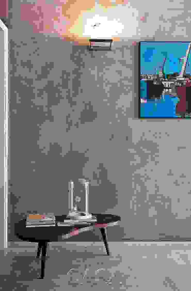 Apto. Higienópolis SP – <q>Por Amor a Arte </q> Paredes e pisos modernos por AMMA PROJETOS Moderno