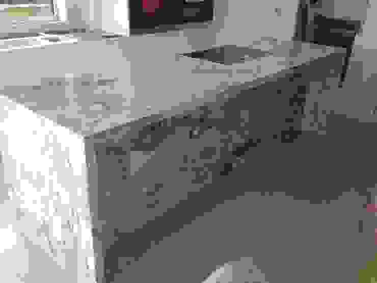 Arabescato Marble Island Modern kitchen by Marbles Ltd Modern
