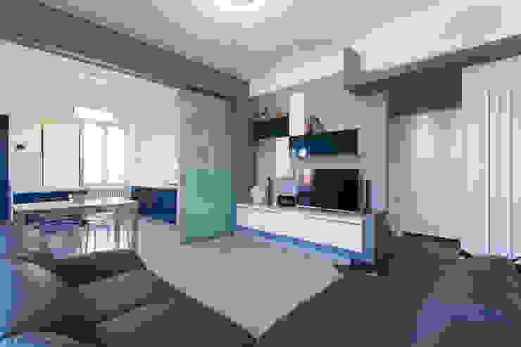 Ruang Keluarga oleh Fabrizio De Rosa Architetto, Modern
