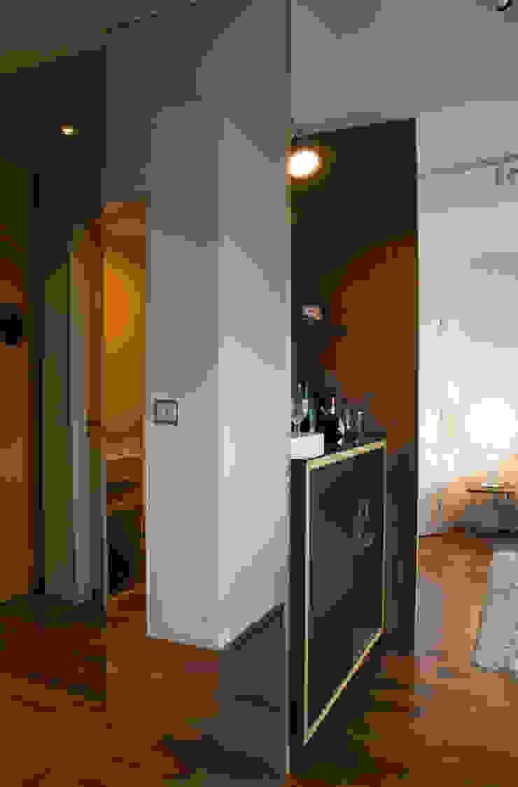 Interior | Apartamento – II Corredores, halls e escadas modernos por ARQdonini Arquitetos Associados Moderno
