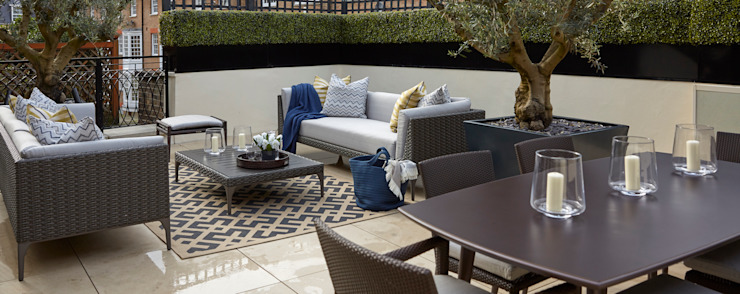 Belgravia roof terrace photo showing lounging area and Buxus hedging by FORK Garden Design