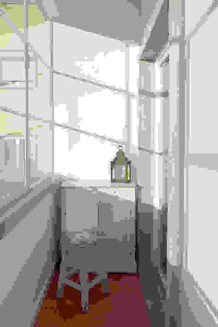 Apartamento na Av. Roma Varandas, marquises e terraços campestres por Atelier da Calçada Campestre