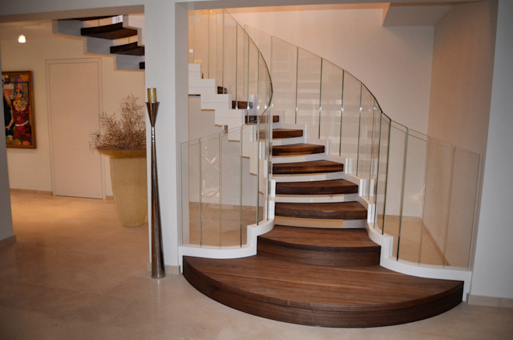 Modern Corridor, Hallway and Staircase by Siller Treppen/Stairs/Scale Modern
