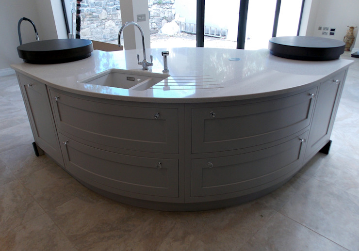 Contemporary Kitchens Ireland: classic  by Designer Kitchen by Morgan, Classic