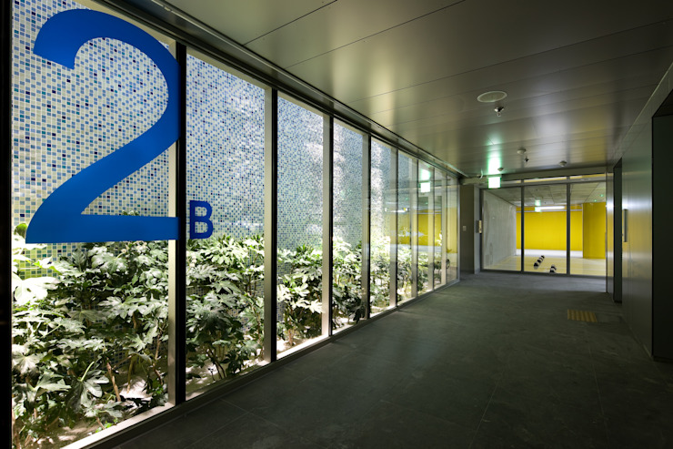 JEONNAM KSCFC BUILDING: PARKiz의  서재 & 사무실,모던