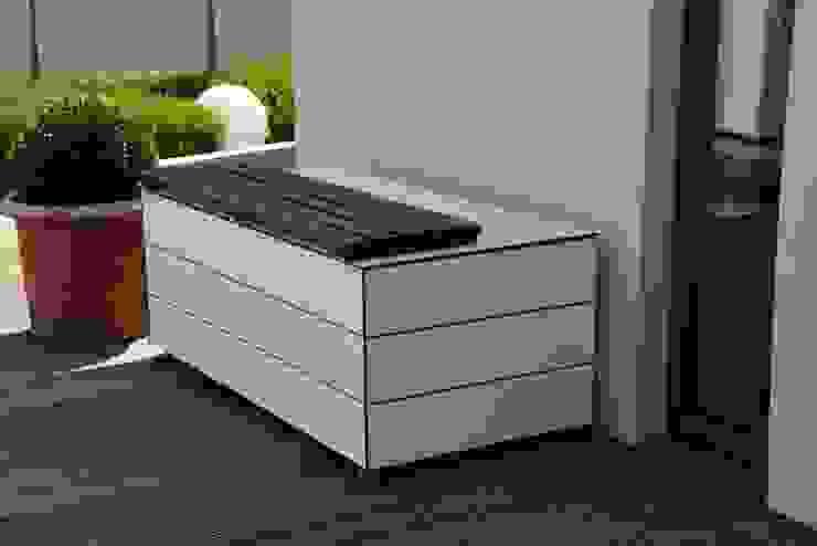 GarDomo Design-Gartenhäuser Manufaktur e.K. Modern Bahçe