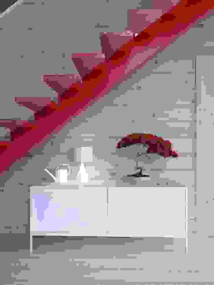 Интерьер дома AUS Коридор, прихожая и лестница в стиле минимализм от INT2architecture Минимализм