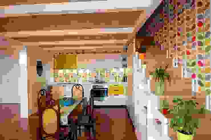 CASA ES 13 Cucina moderna di CalìArchitetti Moderno