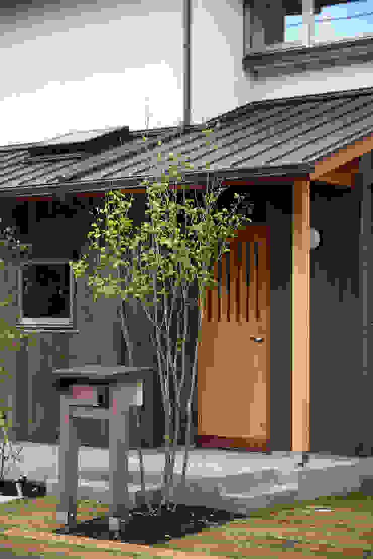 玄関ポーチ 瀧田建築設計事務所 オリジナルな 家