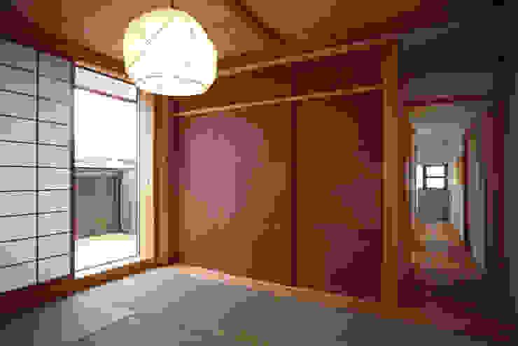 寝室 瀧田建築設計事務所 オリジナルスタイルの 寝室