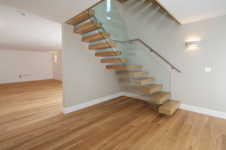 Free Standing Glass and timber Stairs Minimalist corridor, hallway & stairs by Sarum Glass Ltd Minimalist