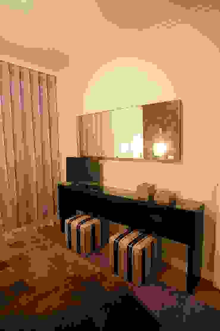 Quarto Quartos modernos por Traço Magenta - Design de Interiores Moderno