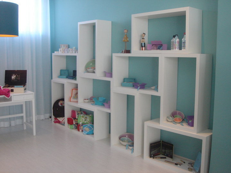 Zona de exposição de loiças, sabonetes... por Traço Magenta - Design de Interiores Moderno