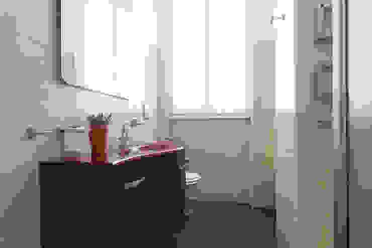 Minimal style Bathroom by Edi Solari Minimalist