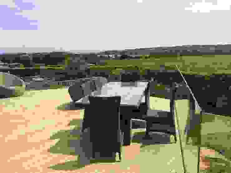 Infinity Glass Balcony North Wales Minimalist balcony, veranda & terrace by sally3 Minimalist