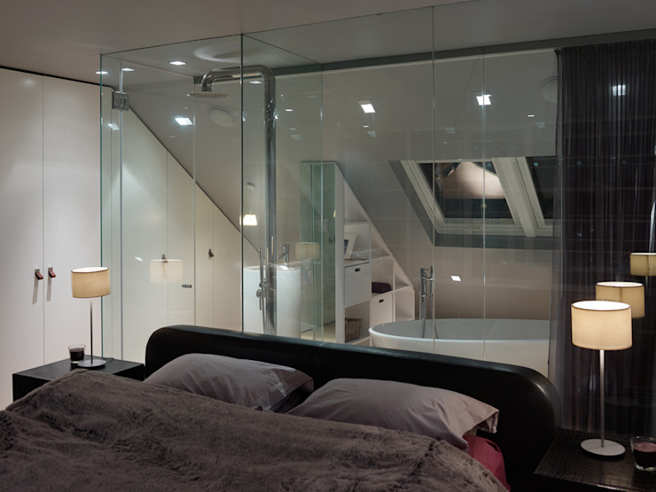 Loft floor bedroom and ensuite por 3s architects and designers ltd