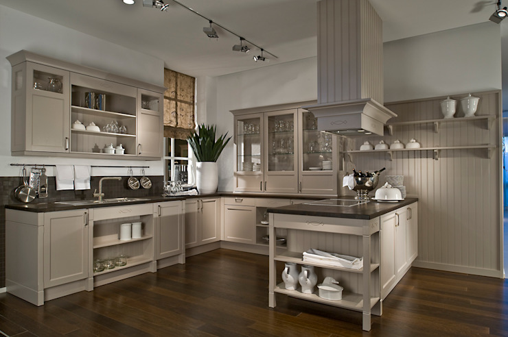 Cashmere painted wood kitchen LWK London Kitchens Landhaus Küchen