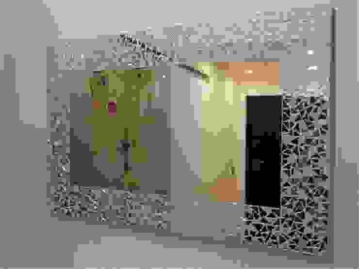 SPECCHIERA IN MOSAICO MODELLO BEST di luisa degli specchi Eclettico
