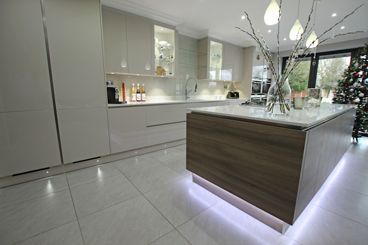 Modern wood floating effect kitchen island LWK London Kitchens Moderne Küchen