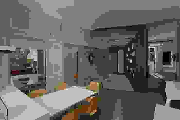 cucina vista verso l'ingresso (ipotesi iniziale) Pasquale Mariani Architetto Cucina eclettica