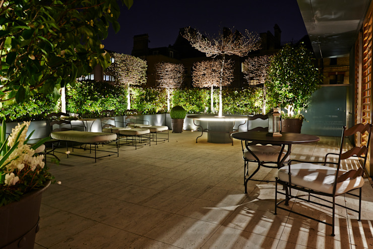 Garden lighting Modern style gardens by Cameron Landscapes and Gardens Modern