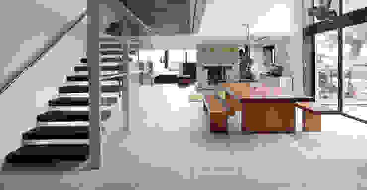The Long Barn Comedores modernos de Tye Architects Moderno