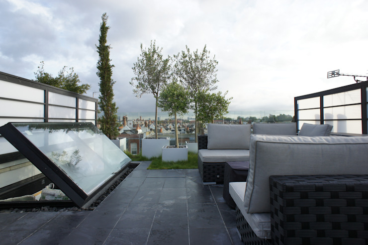 Terrazas de estilo  por Organic Roofs,
