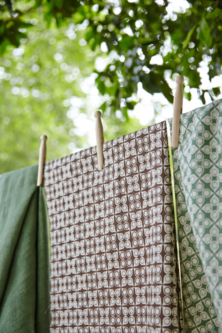 Cotton and linen hand screen printed fabrics od akin & suri Skandynawski