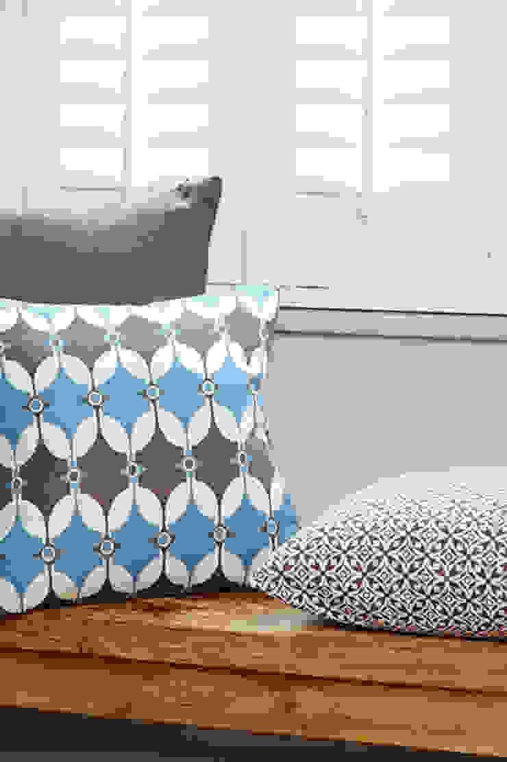 Cotton and linen hand screen printed cushions: scandinavian  by akin & suri, Scandinavian