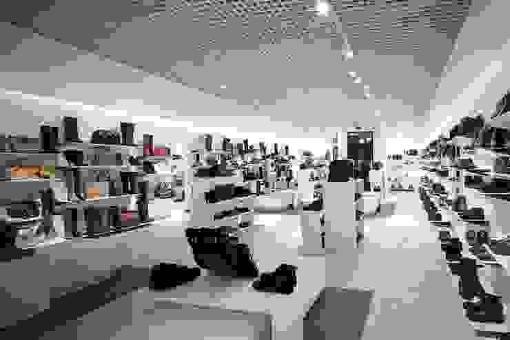 сеть обувных магазинов <q>Милана</q> Дома в стиле модерн от Вадим Бычков Модерн