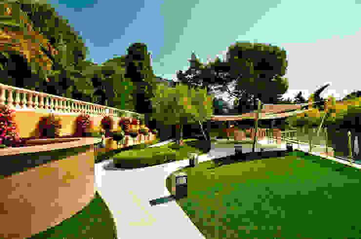 La brigantine Jardin moderne par David Violi Moderne