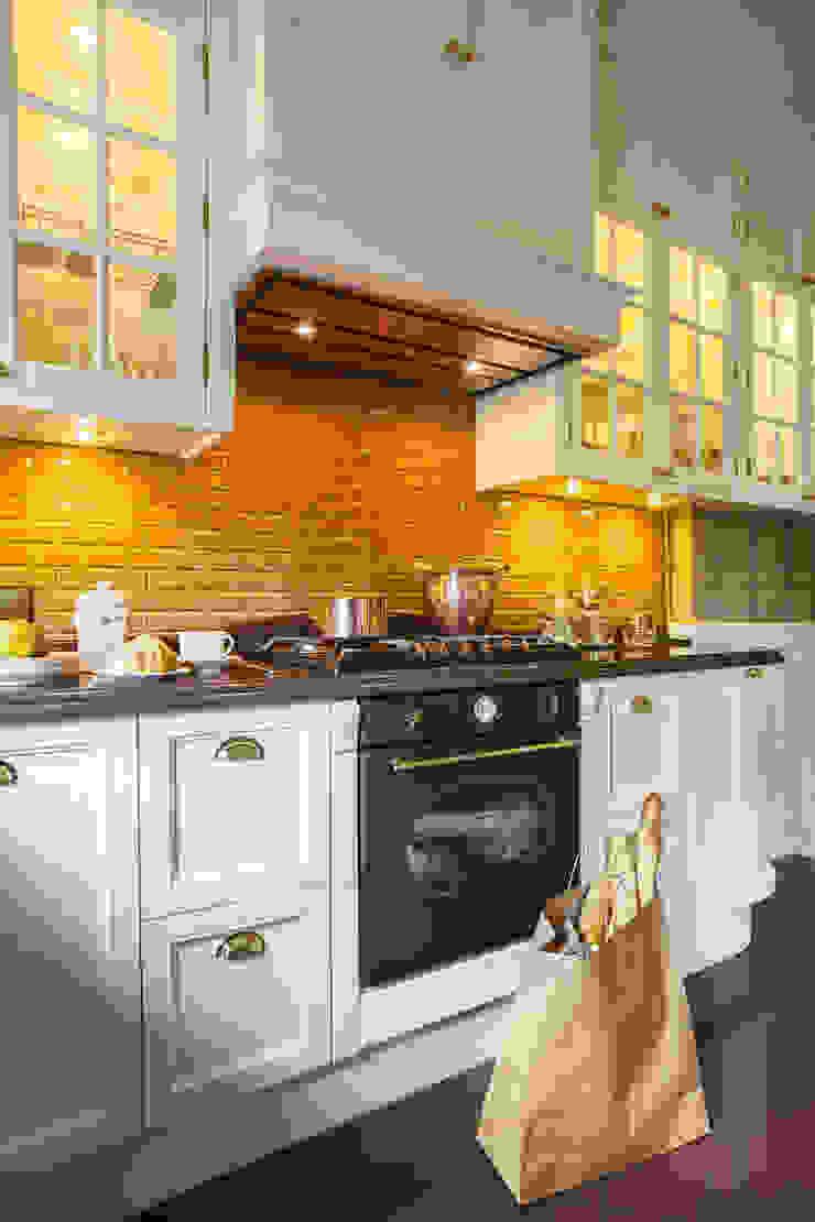 studio68-32 KitchenCabinets & shelves