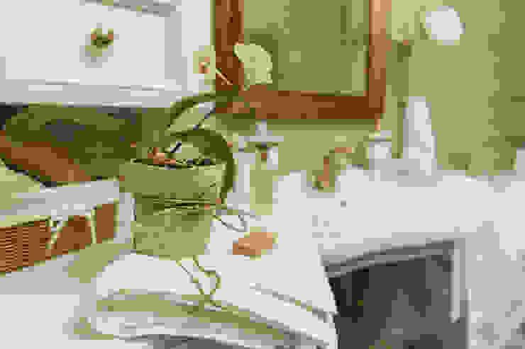 studio68-32 BathroomShelves