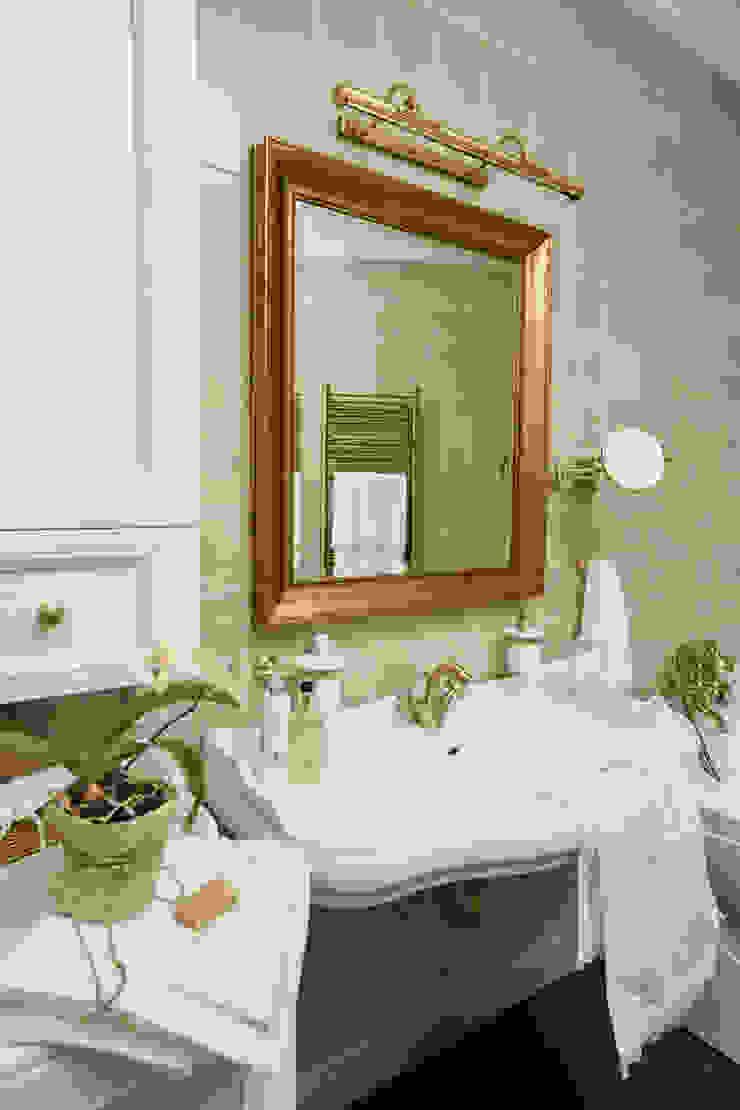studio68-32 Classic style bathroom