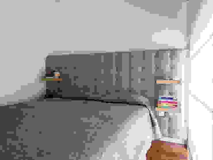 Cabeceira: Quarto  por MUDA Home Design,