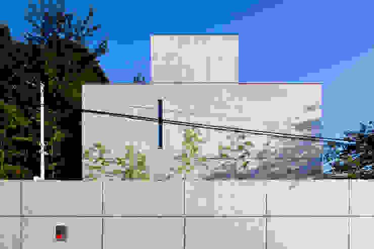 Modern houses by 鈴木賢建築設計事務所/SATOSHI SUZUKI ARCHITECT OFFICE Modern