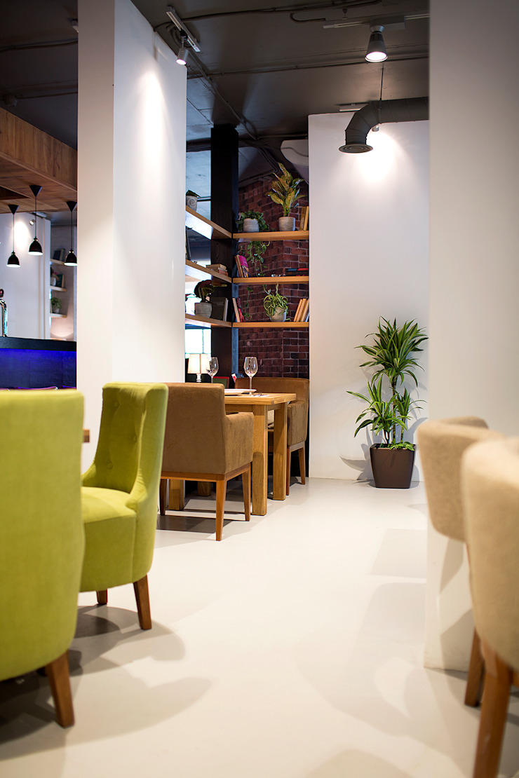 Ресторан в г. Долгопрудный <q>ТЕОРИЯ КУХНЯ&БАР</q> Столовая комната в стиле лофт от NIdesign Лофт