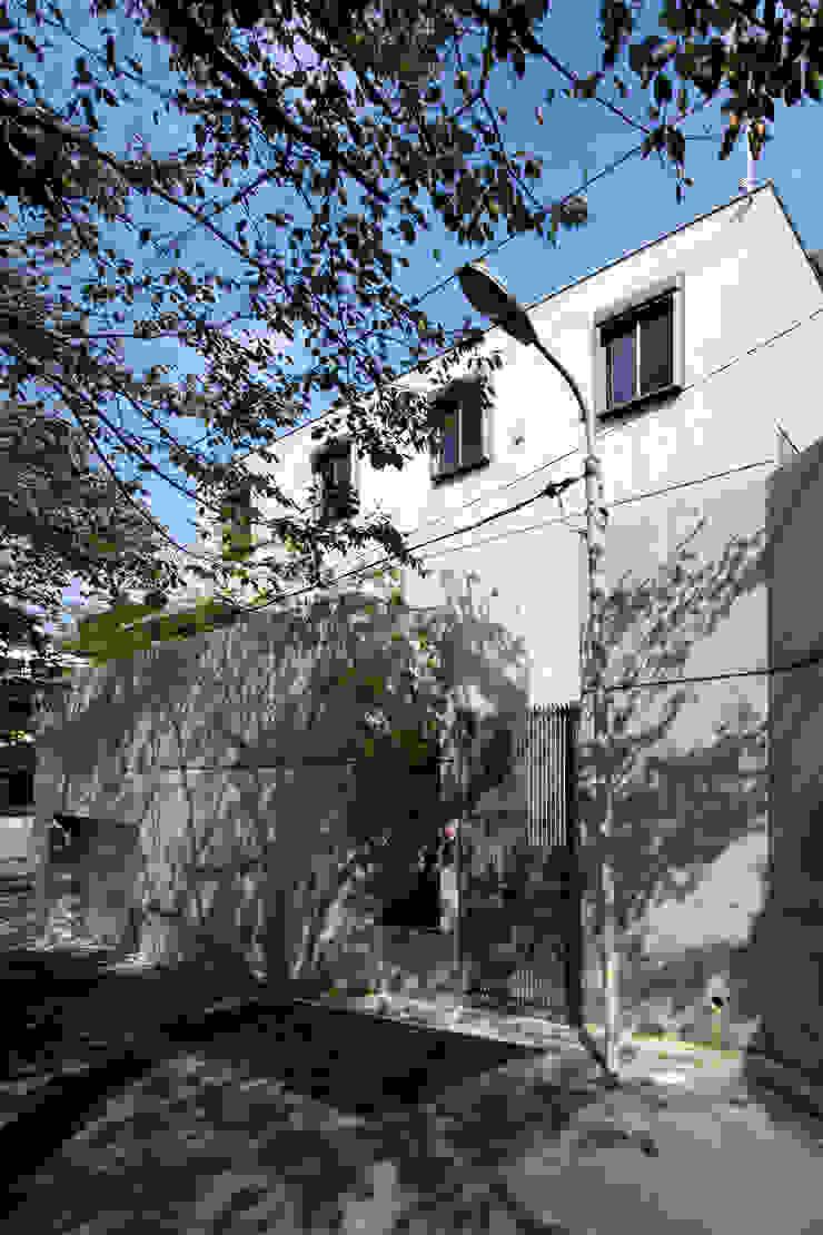 Casas modernas por 鈴木賢建築設計事務所/SATOSHI SUZUKI ARCHITECT OFFICE Moderno