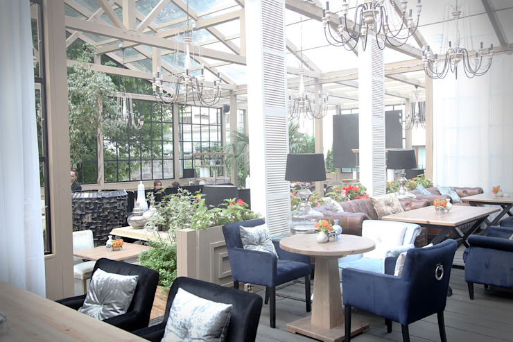 Balcone, Veranda & Terrazza in stile industriale di NIdesign Industrial