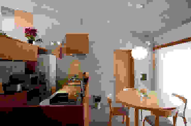 雁木のある家 オリジナルデザインの キッチン の YASUO TERUI Architects Inc. オリジナル