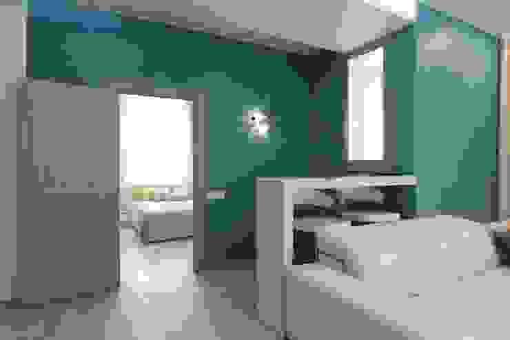 Вид на спальню из гостиной от ARHITEKTO