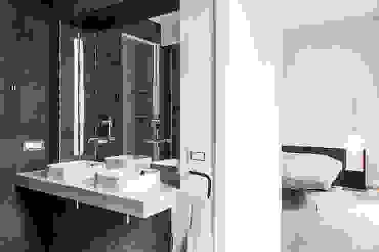 Baños minimalistas de Tramas Minimalista