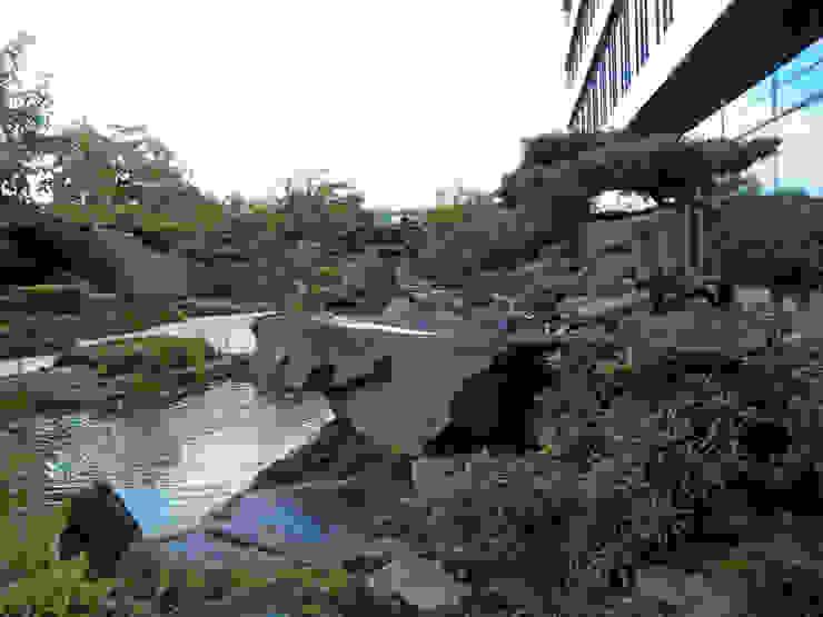 Japangarten Hannover - Kantinengarten Asiatische Bürogebäude von Kokeniwa Japanische Gartengestaltung Asiatisch
