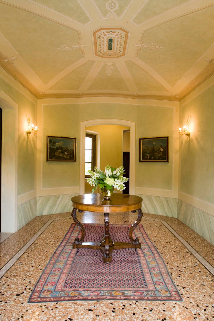 Pasillos, vestíbulos y escaleras clásicas de ADS Studio di Architettura Clásico