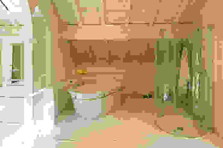 Baños de estilo moderno de ADS Studio di Architettura Moderno