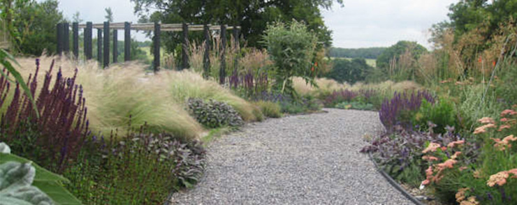 Large Country Garden Jardines de estilo rural de Rosemary Coldstream Garden Design Limited Rural